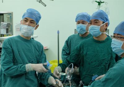 腹腔镜下膀胱癌全切术