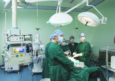 腹腔镜微创手术