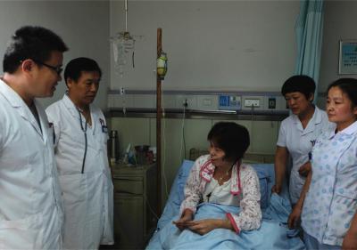 肝胆外科爱心捐款送病人
