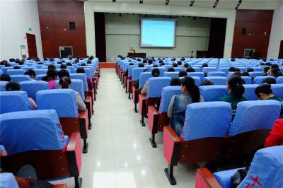 强化护理学习培训 促进服务能力提升
